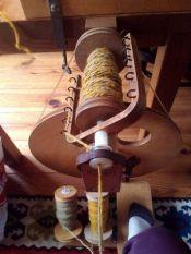 twijnen van gesponnen wol